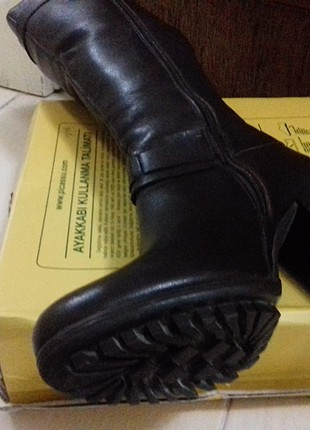 U.S Polo Assn. koyu kahvedirtertemiz bir ayakkabıdır.