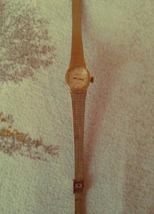 Vintage Altın Saat