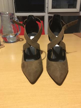Haki Bilekten Bağlamalı İpekyol Topuklu Ayakkabı Ipekyol