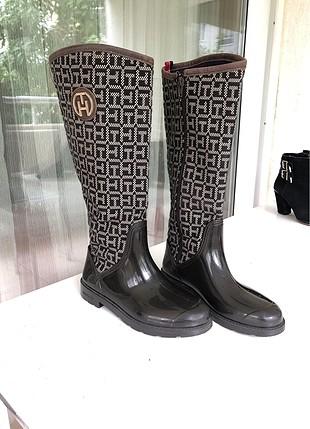 Tommy Hilfiger yağmurluk çizme