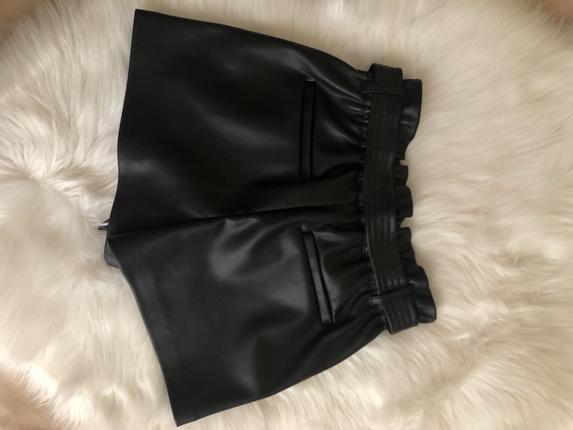 Zara xs siyah deri şort