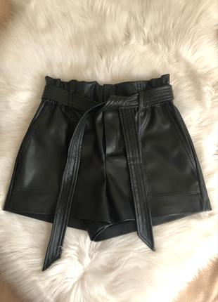 xs Beden siyah Renk Zara xs siyah deri şort