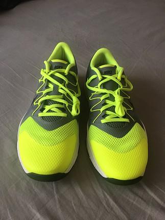 Nike marka hic giyilmemis erkek spor ayakkabisi