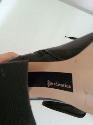 37 Beden siyah Renk Stradivarius bağcıklı bilekte bot