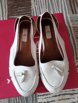 elle beyaz sandalet