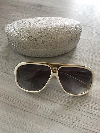 Lv Beyaz renk gözlük
