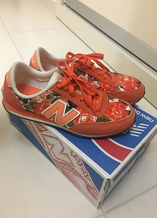 New Balance çiçekli Turuncu Spor ayakkabı