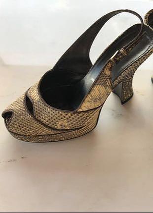 Orjinal prada topuklu ayakkabı
