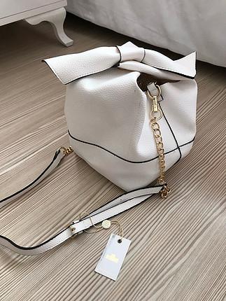 Kol çantası beyaz